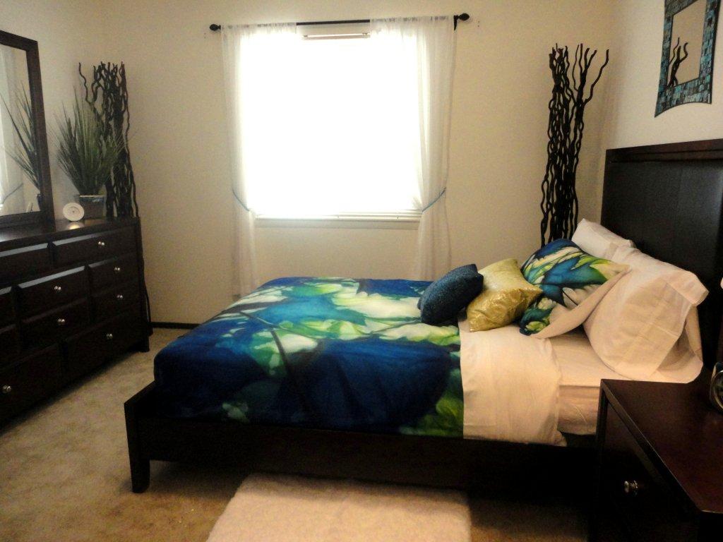 apartment for rent in 1212 varsity blvd dekalb il